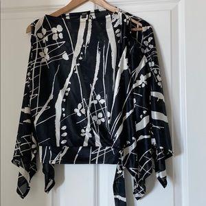 Open sleeve short blouse MNG